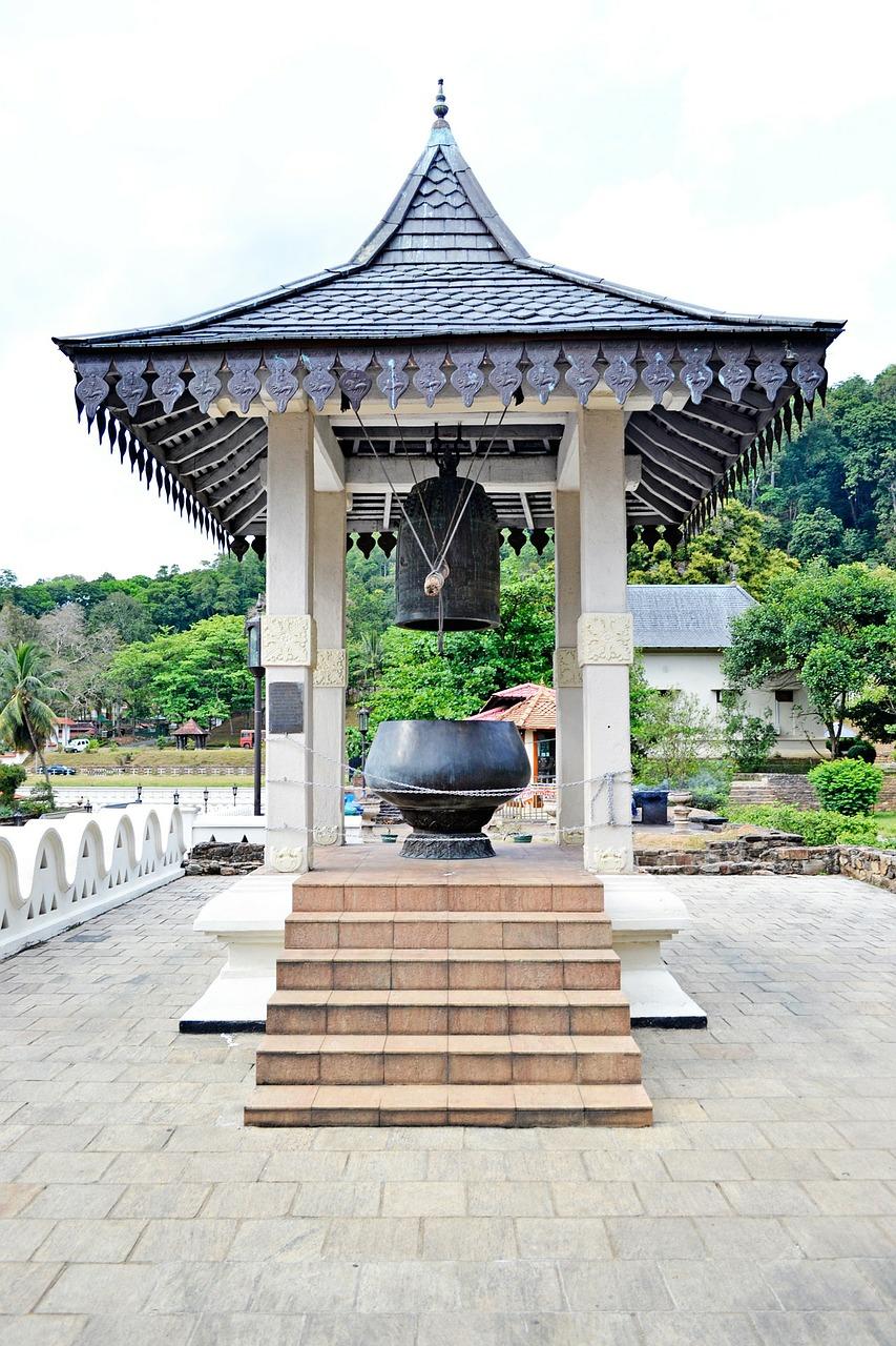 Around the World: Asokaramaya Buddhist Temple