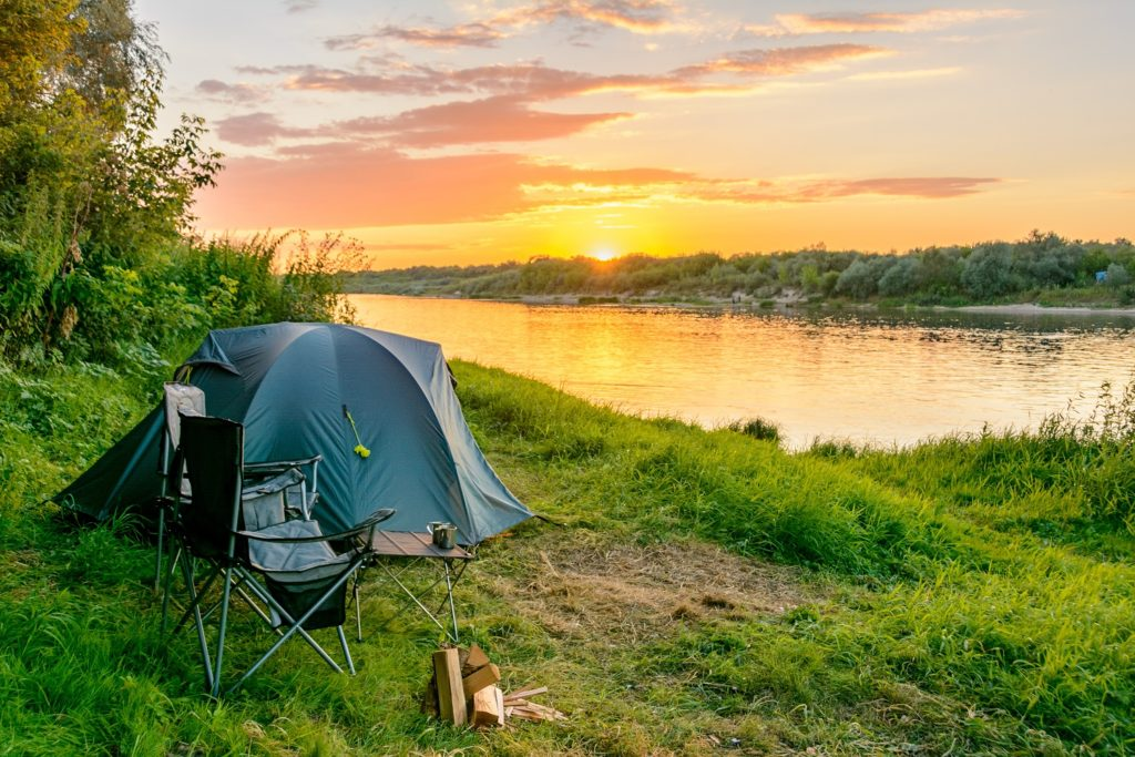tent by lake-safe travel